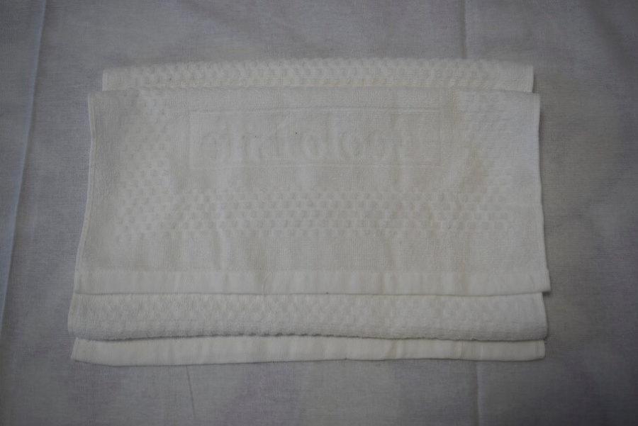 タオルを折幅に差を付けて、蛇腹(ジャバラ)に畳む