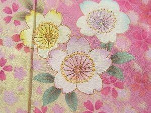 春」といえば最も思い浮かぶ柄は、やはり桜