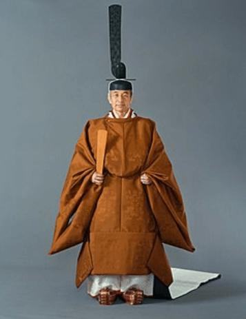 天皇が着用した黄櫓染の御袍